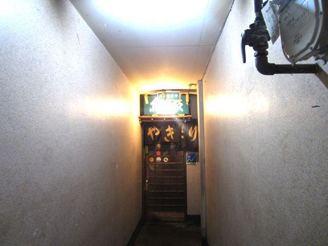 見つけた……。けど、ここのドアを開ける勇気が、なかなか起きない。