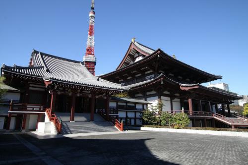 本堂は昭和49年の再建で、東京タワーより新しい