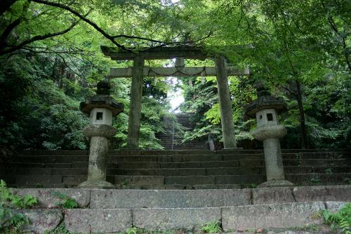その横に、日吉東照宮が存在する