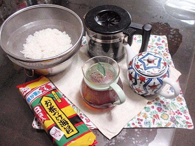 バラエティーに富んだお茶漬けを作りたいと思います!