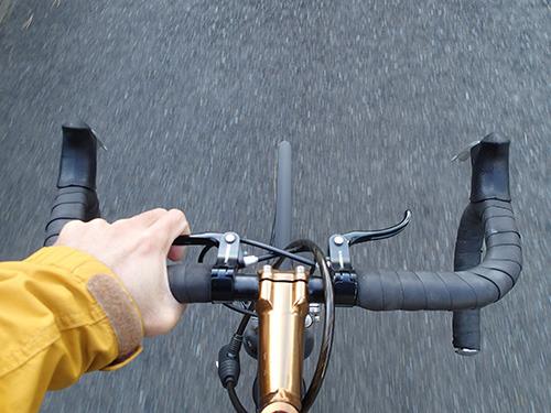 特にタイヤの細いロードタイプの自転車の場合。