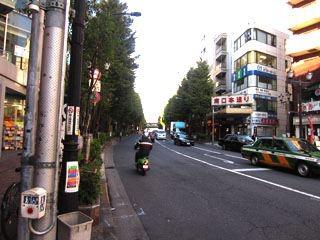 中野への道。