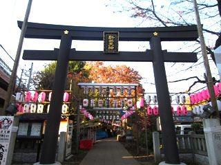 北野神社をぬける。
