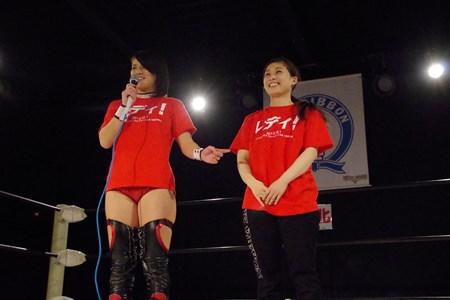 志田コーチ(左)と、後任の235コーチ(右)