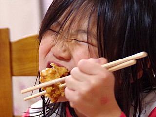 子供はでかいから揚げがよく似合う。