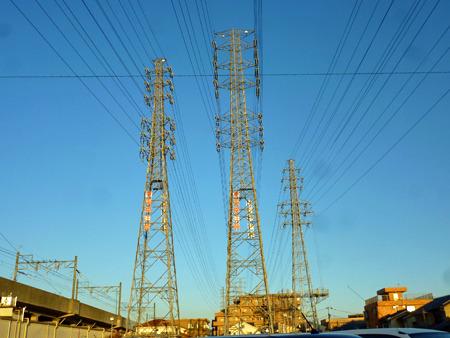 高圧鉄塔が並んでてかっこいい!