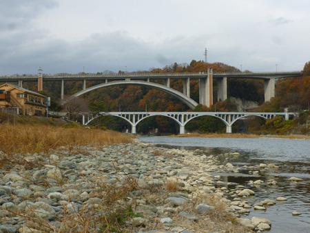 たぶんこの目の前あたりにリニアの橋が架かるはず