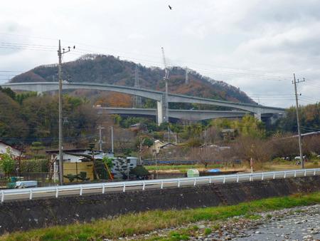すぐ近くに圏央道のインターが造られていて既に景色が大きく変わっていた