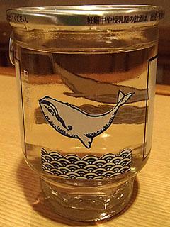 宮城県の墨廼江酒造の「墨廼江特別純米」。スッキリと軽い口当たりの後に柔らかい旨味を感じます。