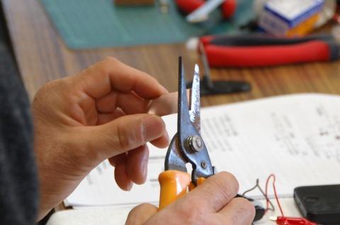ブラシという部品を自作のものと交換するのだ。