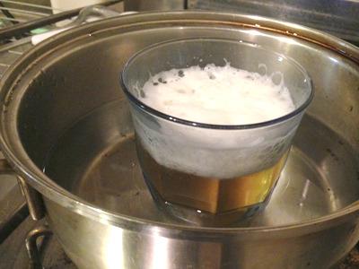 15年くらい前に料理屋でお燗番のバイトをやっていたが、ビールをお燗する日がくるとは