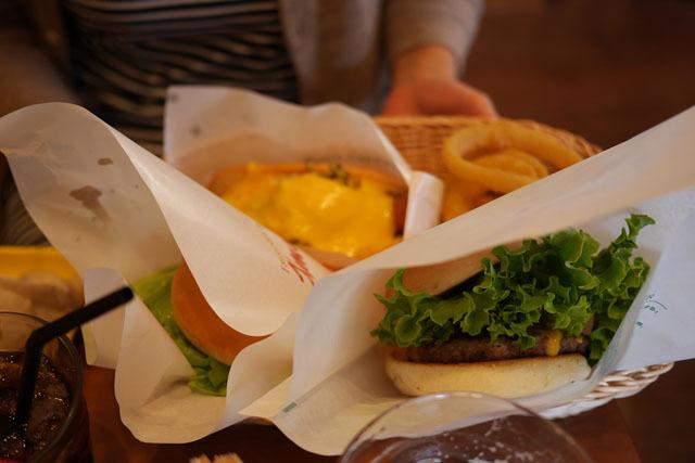ハンバーガーに挑みます