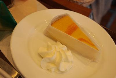 マンゴーチーズケーキ。