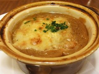 マリリンモンローも頼んだというオニオングラタンスープ