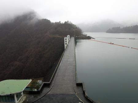 このダム1杯の水およそ300億円分(立入禁止場所から許可を得て撮影)