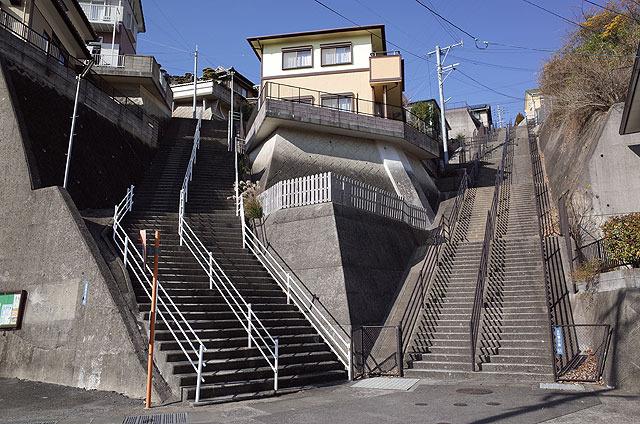 ダイナミックな階段。