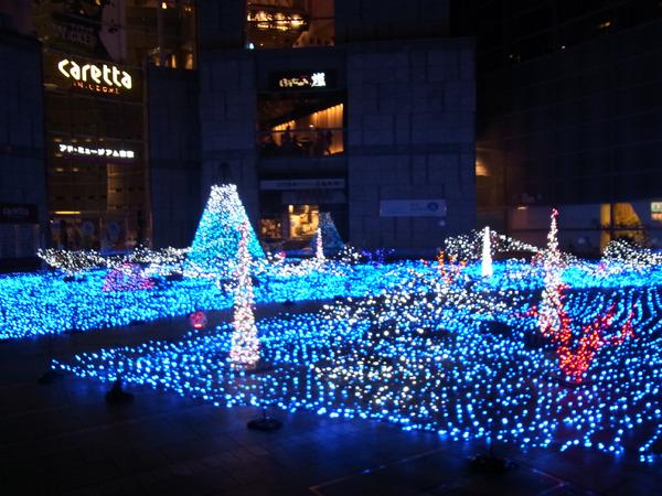 クリスマス時期は3Dイルミネーションがあったようだ。ちなみにこのカレッタ汐留、46階から夜景が見れてキレイ