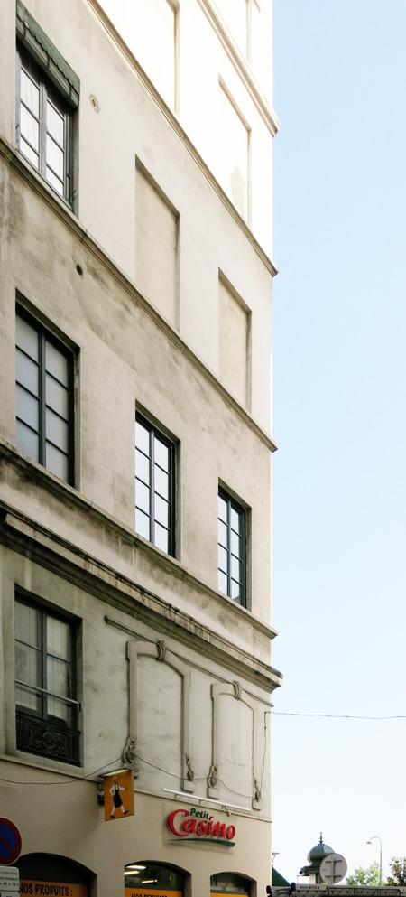 こんなふうに「元窓」とおぼしき跡が。