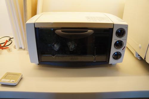 トースターは10分焼いて10分スイッチを切ってを3セット(合計60分)(レシピでは2セットとあったが、太い芋だったので3セットにした)
