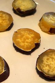芋はホイルで包むと包まないでは焼き上がりの味が違う - デイリーポータルZ