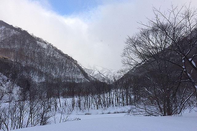 雪山を安全に登るには色んな技術や道具、経験が必要なんだなぁ。