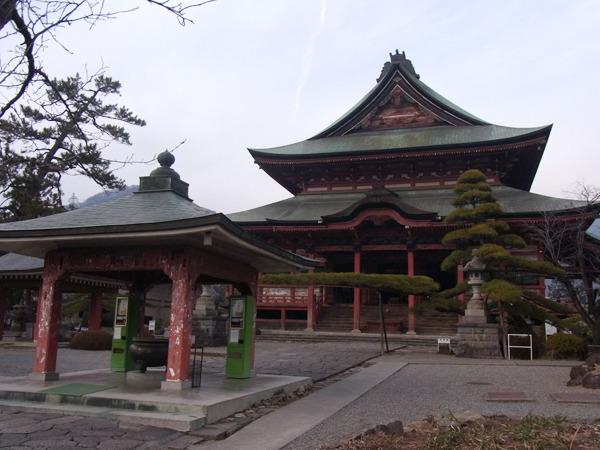 多くの重要文化財が残る。長野の善光寺よりも格上だと言う人もいた