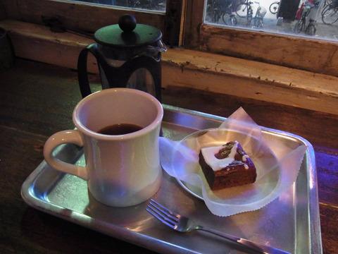 エチオピアコーヒーとブラウニーをいただいた