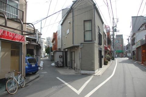 江戸時代から三角形だそうだ。