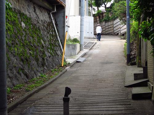 ヒント:ここは、この写真と同じ位置からのストリートビューはありません(出題:餅との遭遇)