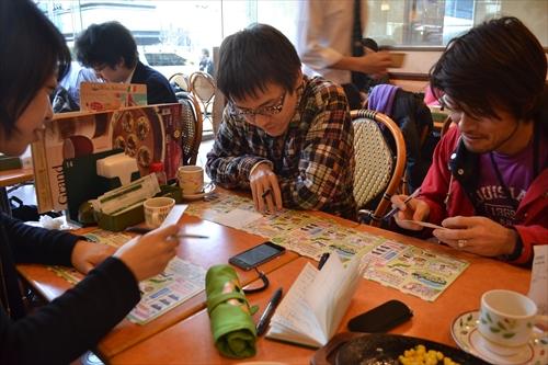左から古賀さん、石川さん、安藤さんが挑戦