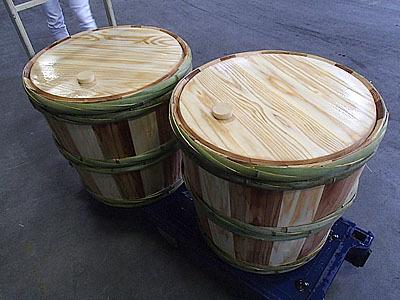 4斗(72リットル)樽。入れる量によって中が底上げされていて、実際に満タンで出荷することはほとんど無いらしい。