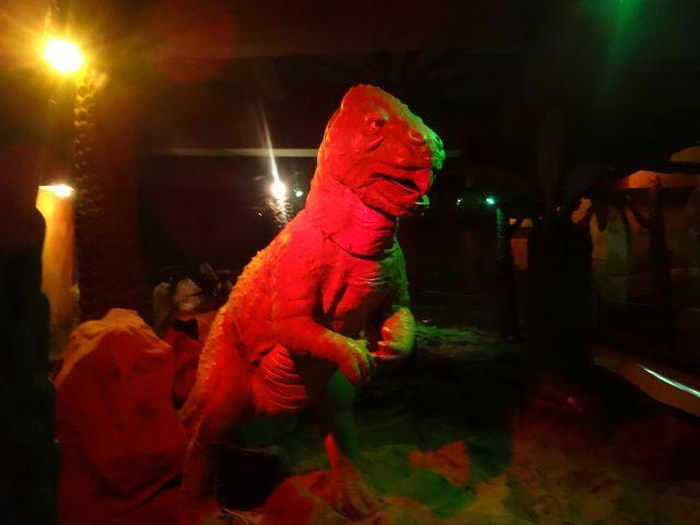一方目力がないからか、温厚そうな恐竜もいる