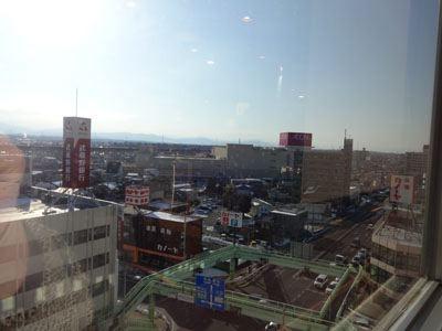 窓際に座ったら、熊谷の街を手中に収めることができた(大袈裟)。