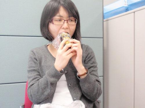 休憩時間にまるごと食べました。