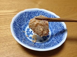 真子の煮つけをほぐして、タラの刺身にまぶす「子つけ」という食べ方を教わった。とても簡単でおいしいので、食べたことのない方はぜひ一度お試しを。
