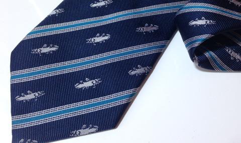 自慢の一品、シーラカンス柄のネクタイ