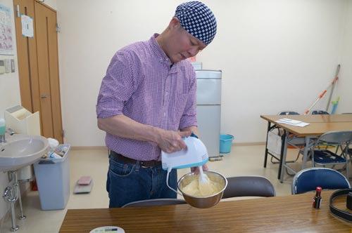 わざわざ作り方を一度目の前で実演してくださった。ちゃんとしたバニラアイスをベースにきのこを混ぜていく