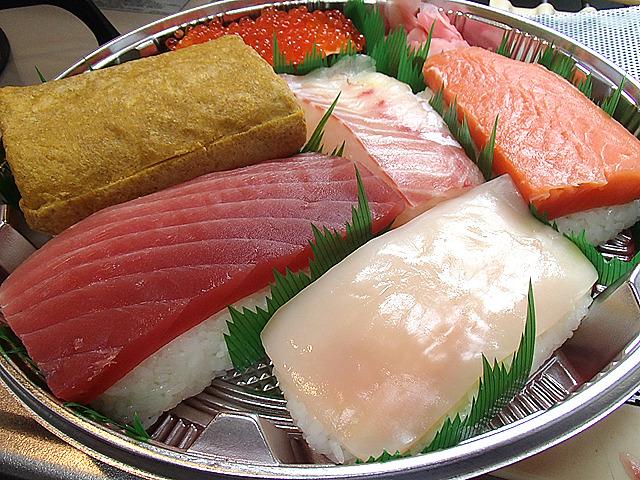 デカい寿司、出来ました!