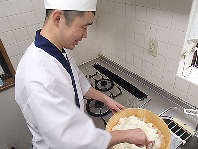 格好だけは寿司職人。