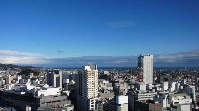 富士山はやはり雲に隠れちゃってたけど、駿河湾が見えた