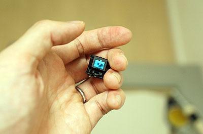 遠隔操作できるようにスイッチをつけた。有線ですが2mくらいあるので離れた位置から操作できる。