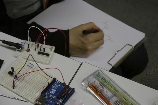 回路図書ける人ってかっこいい。