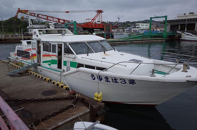 小値賀島=野崎島は船で約30分。片道500円。