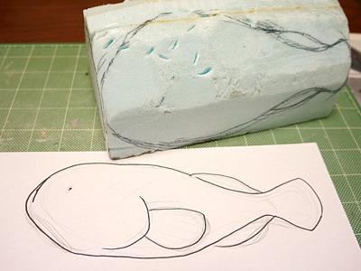 スタイロフォームを芯にして、こんな形の型をまず作る。
