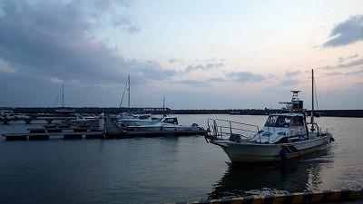 3月、早朝の富山湾。言うまでもなく寒い。