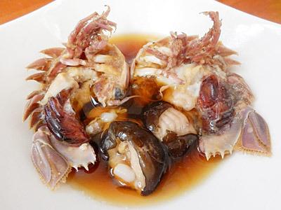 駿河湾深海のジビエ、オオグソクムシの具足煮。