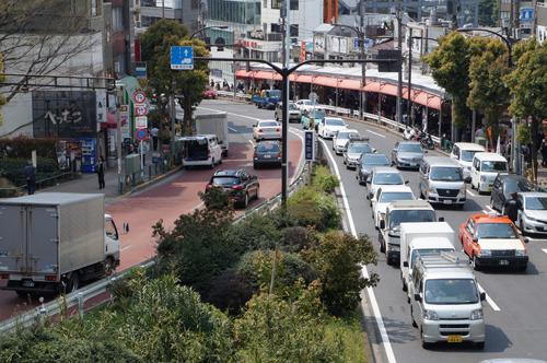 こちらが権之助坂。東京は坂の街です