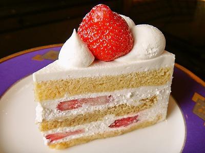 今後イチゴのケーキを見るたびに思い出しそう
