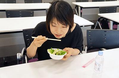 「むちゃくちゃ食べやすい!」(古賀)