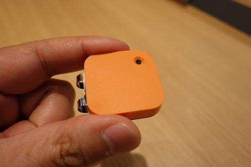 クリップみたいなカメラ(Narrative Clip という商品名です)。テクノロジーの進化に感謝。